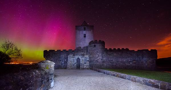 Doe_Castle_Aurora